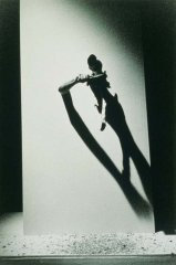 Limb to Limb,1995, photography, perfomance,16 x 10 cm, photo: Craig S. Feder, edition: 6