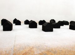 Kata Mijatović, Black House, White shadow, 2017, installation (24 houses, styrofoam, 7 x 7 x 9 cm and salt)