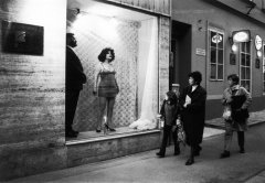 Vlasta Delimar, Woman has disappeared, 2000, performance (with Milan Bozic), Galerija Gradska, Zagreb